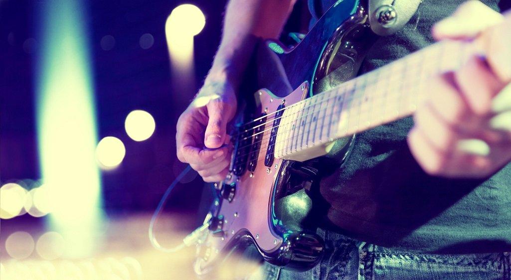 #FeteDeLaMusique à #lormont jeudi 21 juin. Plusieurs rendez-vous un peu partout dans la ville. Temps fort en bords de Garonne à partir de 20h avec une scène ouverte aux musiciens amateurs et un marché gourmand. #concert #animation #Musique #cestlete #jaimelarivedroite https://t.co/1YQwIo2S4f
