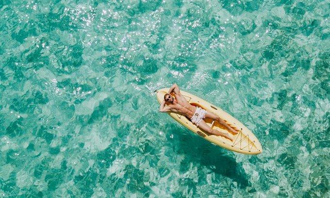 Si vous êtes sous l'eau, prenez une un Bah oui. Logique. 🏄 📸 IG : mhomsy #MardiConseil Photo