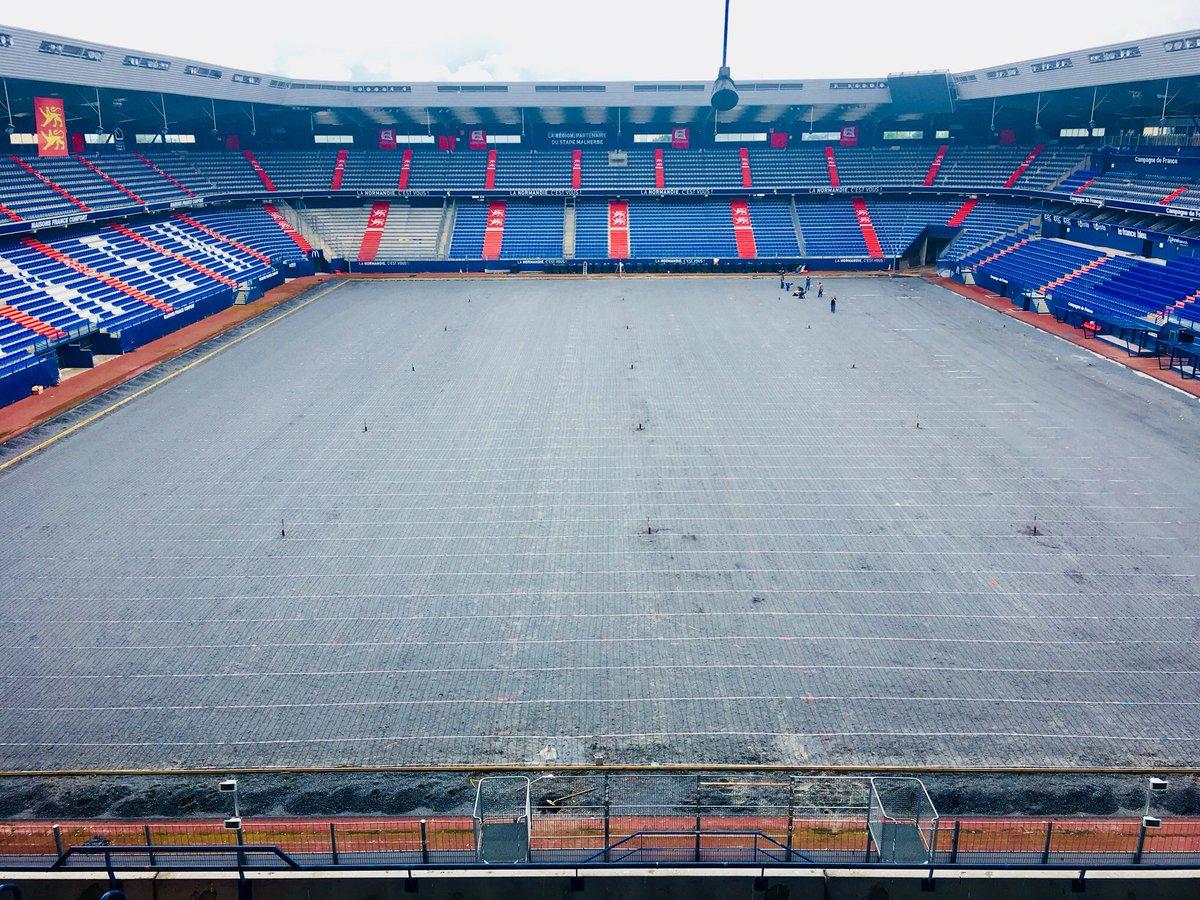 Le stade Michel d'Ornano - Page 7 DfFed8rX0AAdJo7