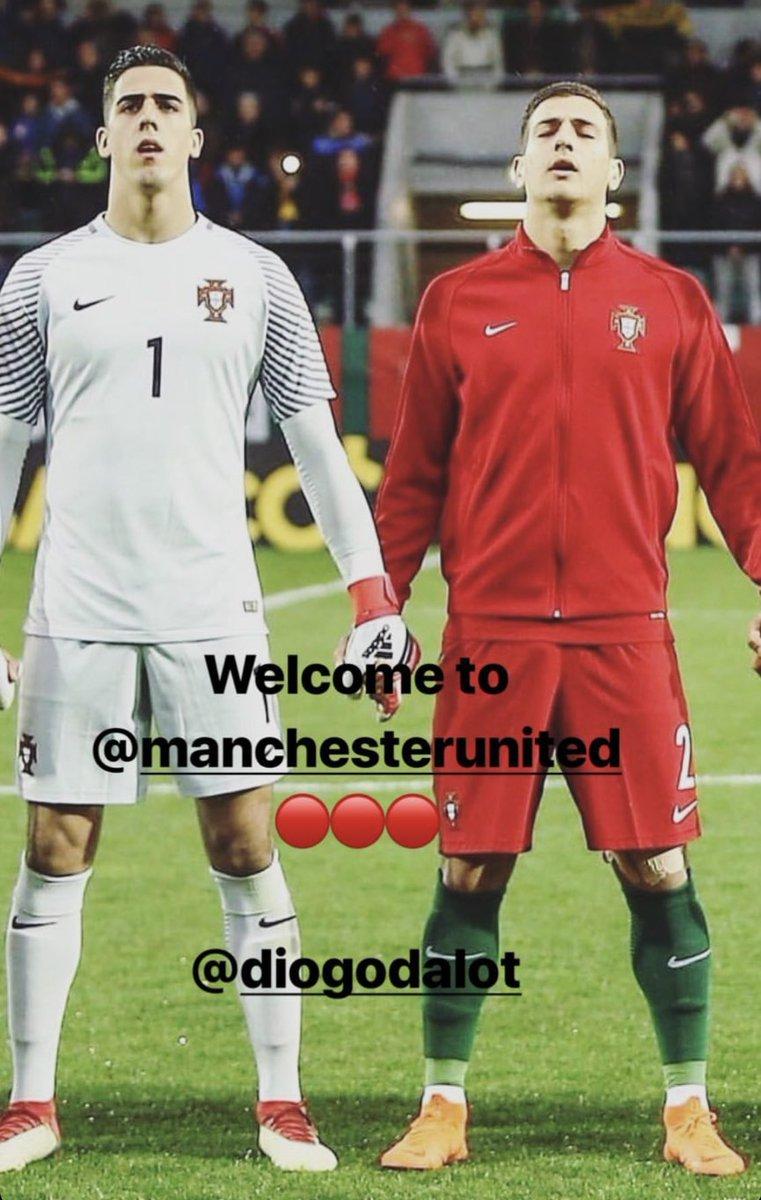 Welcome to @ManUtd my friend @DalotDiogo!!  👊🏻 #ManUtd