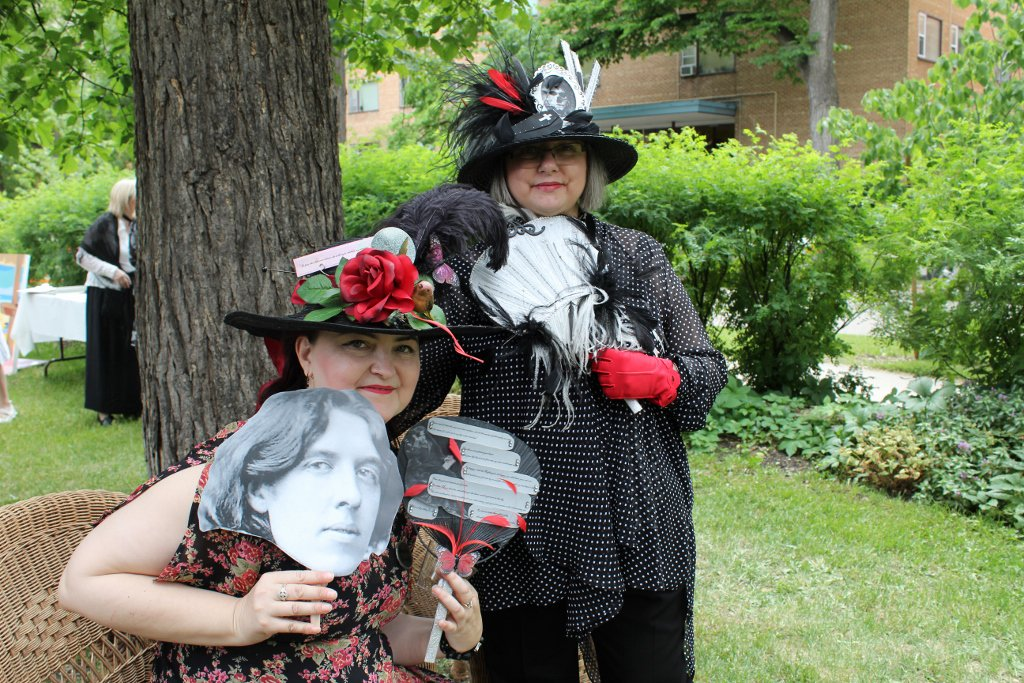 #tbt 2017 A Wilde Tea Party at Dalnavert Museum. Check out these volunteers extraordinaire in their Wilde inspired hats! #wildetea #wildewit #oscarwilde #teaculture #victorian #teatime #museum #fundraiser #winnipeg