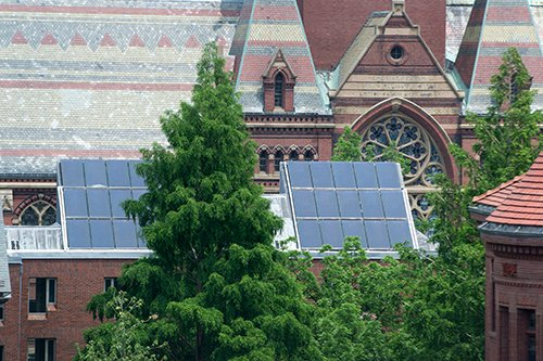 .@Harvard is striving to become fossil fuel-free by 2050 and fossil fuel-neutral by 2026. Learn more at  http:// community.harvard.edu/sustainability  &nbsp;  . #BostonClimateSummit @GreenHarvard<br>http://pic.twitter.com/szwPl9DQ9K