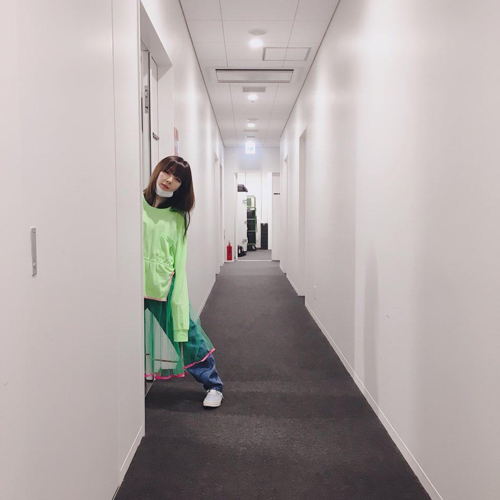 aikoドアから覗く可愛い姿
