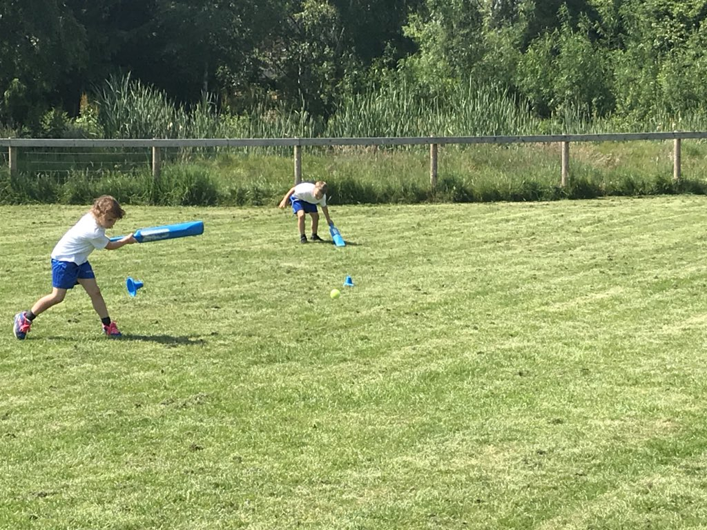 Year 2 children making the most of the sunshine while developing their batting and fielding skills in cricket this afternoon. #Cricket #sport #team