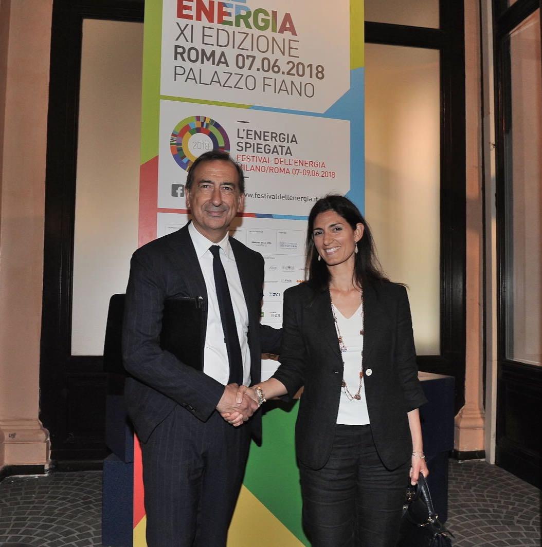 #C40 Fossil Fuel Free Streets Declaration #100ResilientCities Oggi ho incontrato il sindaco di @ComuneMI @BeppeSala. Abbiamo parlato di rispetto dell'ambiente, sviluppo sostenibile, energia, lavoro, progetti per il miglioramento della vita dei cittadini, sinergie tra città.