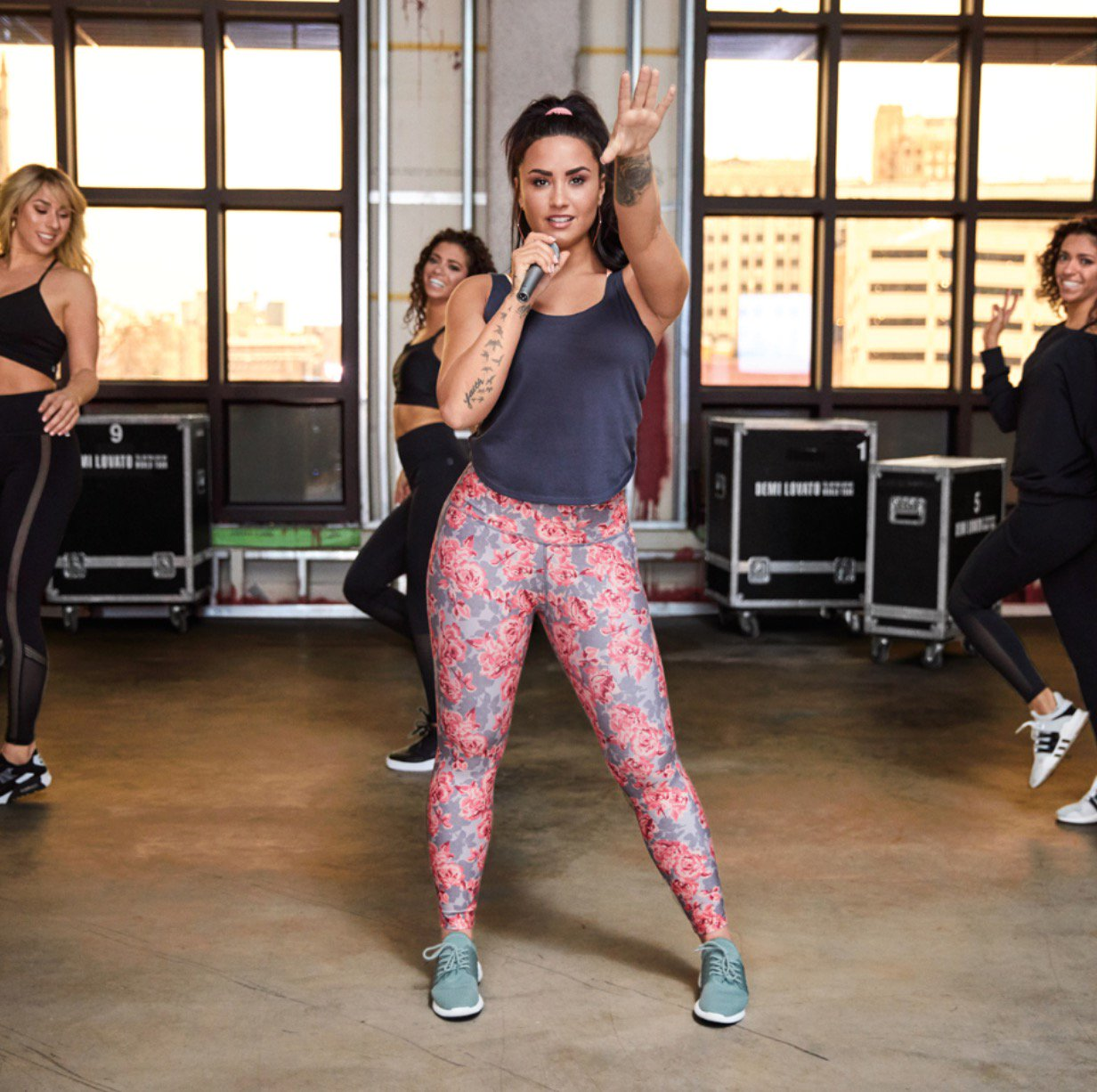 So psyched about these new @Fabletics styles! What do you think of this one? #Demi4Fabletics https://t.co/uhCeVYTQmt