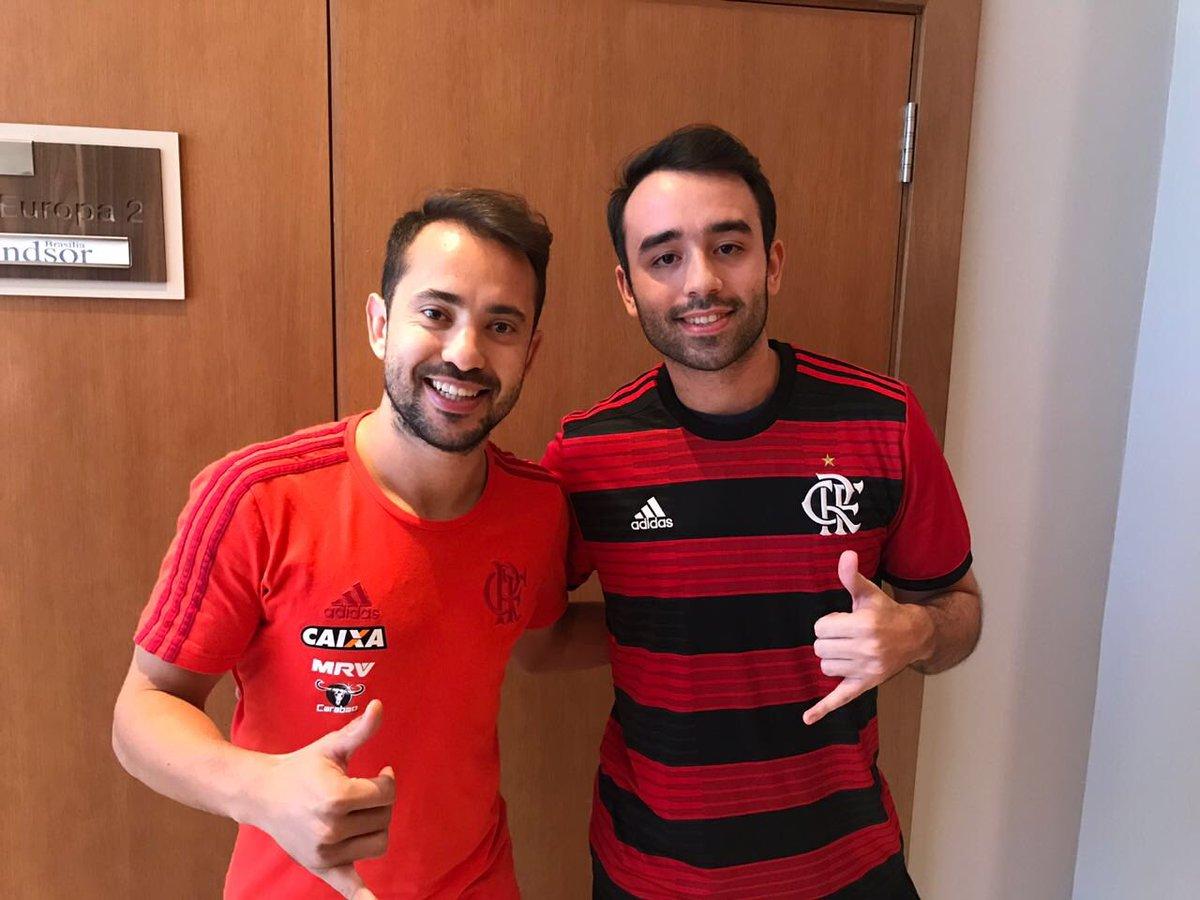 Buguei. Tem dois Everton Ribeiro em Brasília #FlaTT