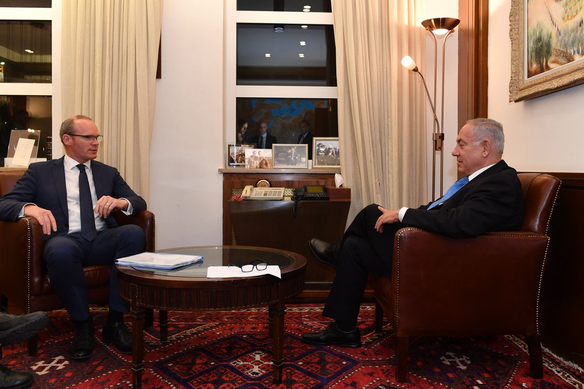 Prime Minister Benjamin Netanyahu met this evening in Jerusalem with Irish Foreign Minister Simon Coveney.