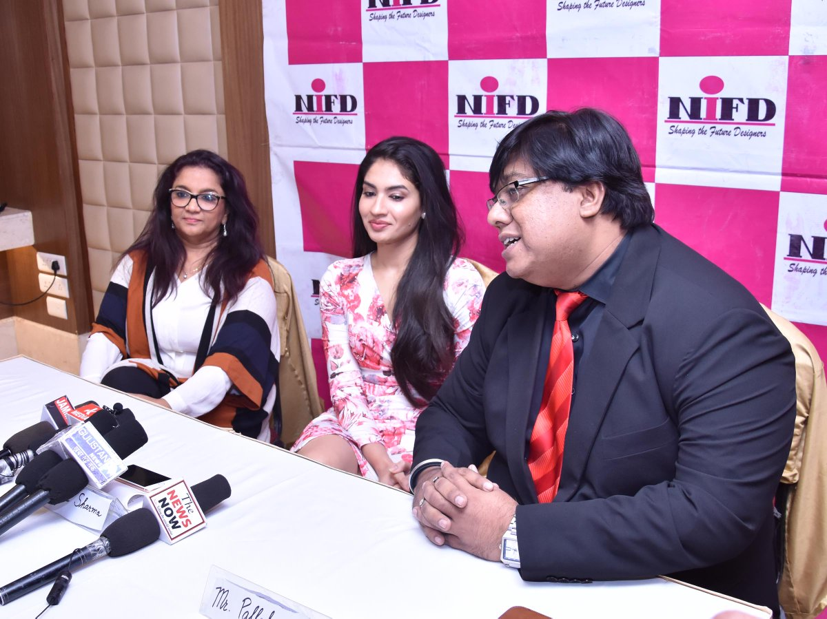 Jammu Links News On Twitter In An Effort To Provide A Much Needed Exposure To The Youth Of Jammu About The Fashion And Glamour Industry The National Institute Of Fashion Design Nifd