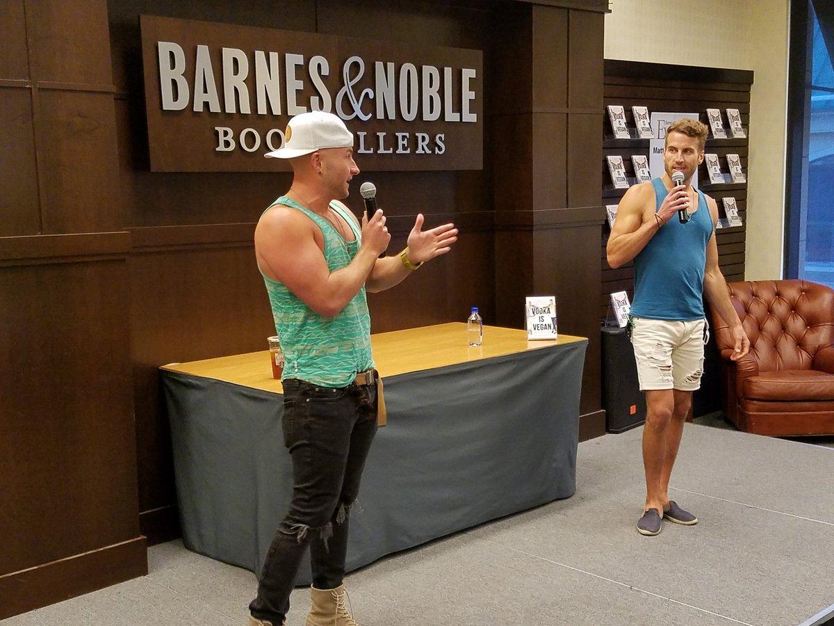 Barnes Noble Events The Grove On Twitter Appening Now Matt