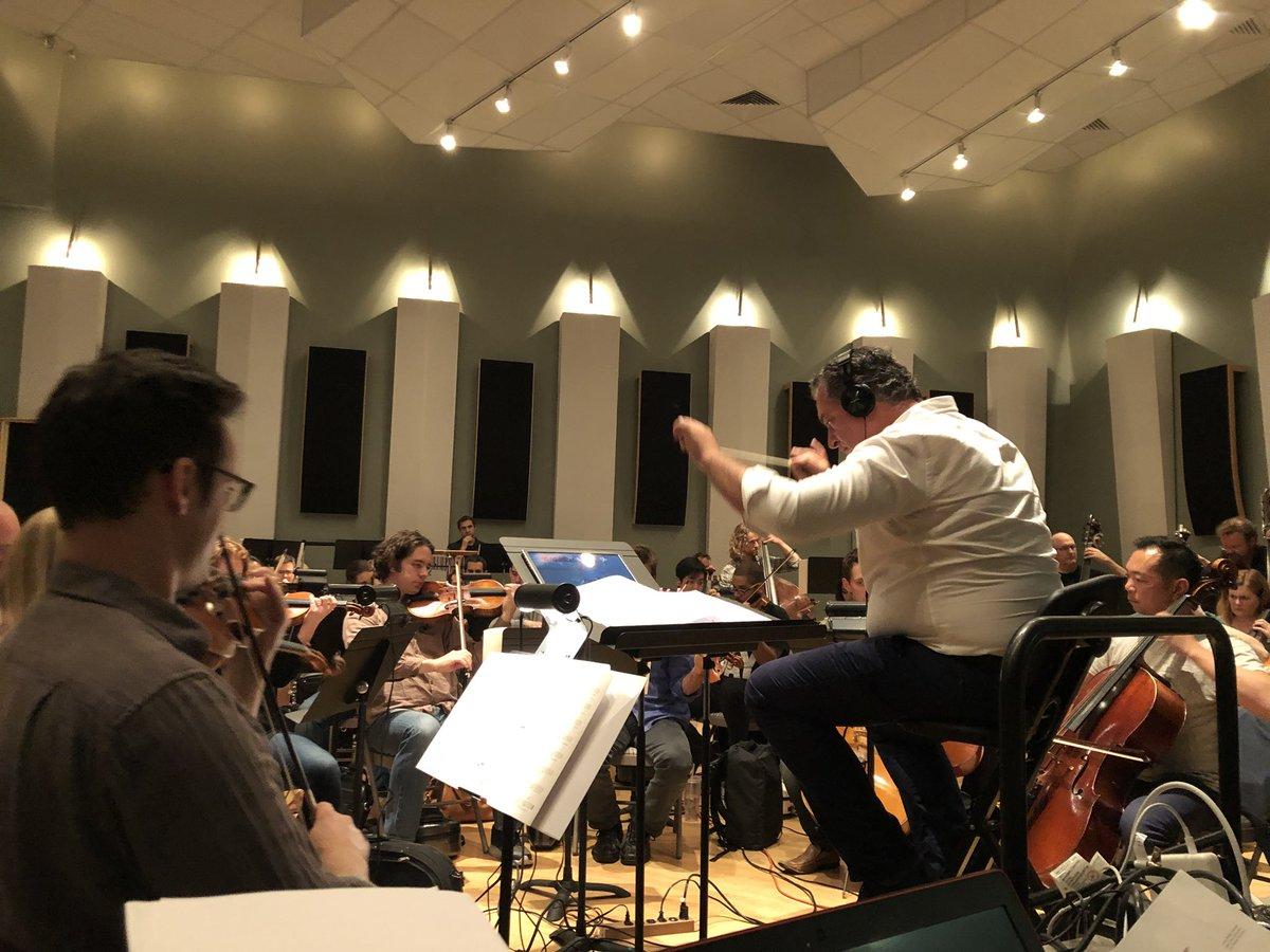 『KINGDOM HEARTS Orchestra -World Tour -』2018年の公演がいよいよ6/9から始まります。本日LA入りして早速リハーサル。お越しいただく皆さまに楽しんでいただけるよう、今年も頑張りますー! #_KH #KHO