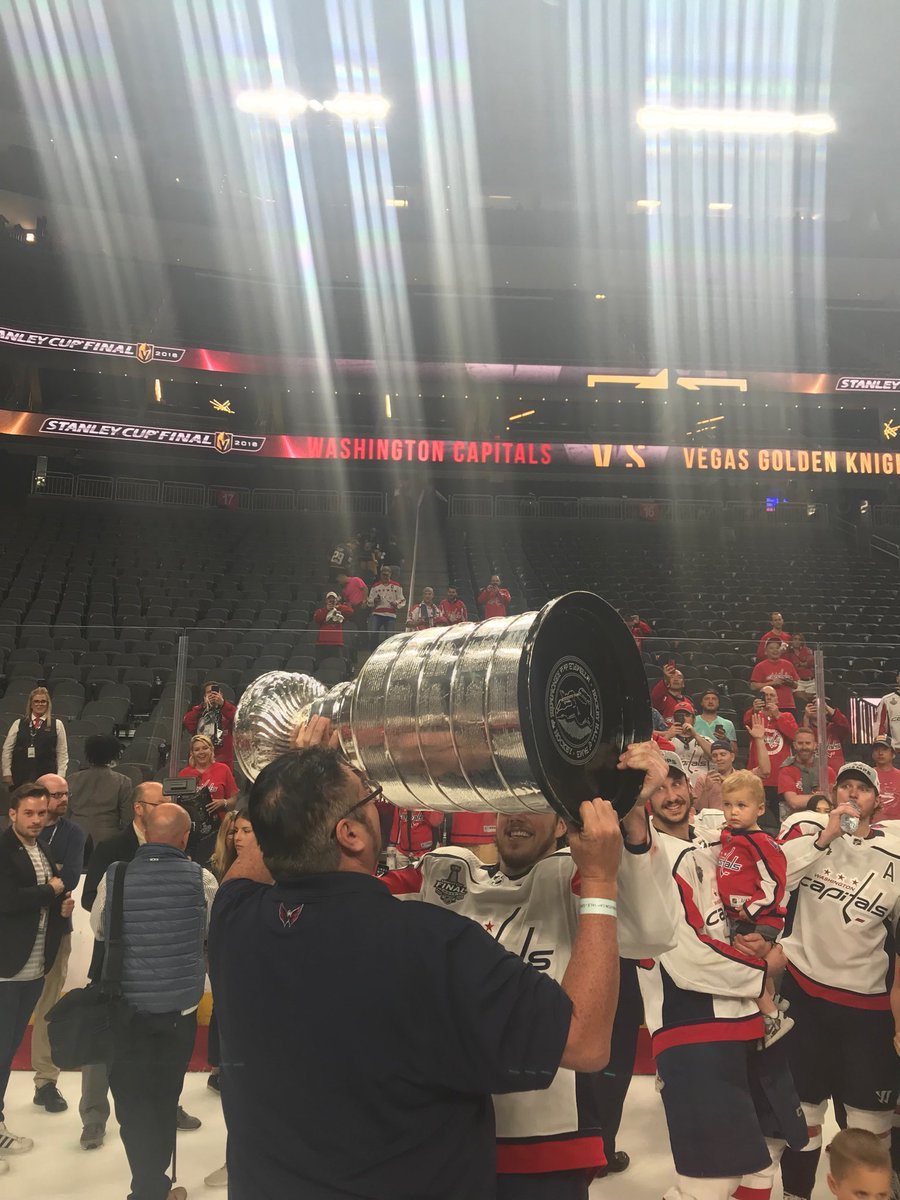 Stanley Cup 2018: T.J. Oshie Tears Up As He Talks About His Dad (video)
