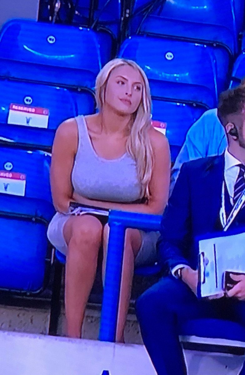 Contrary to popular belief, this is not my 'bored' face, it's my 'concentration' face  I loved every moment hosting the #ENGCRC game for the @FA last night - thanks for having me! <br>http://pic.twitter.com/r1dnRaNhmq