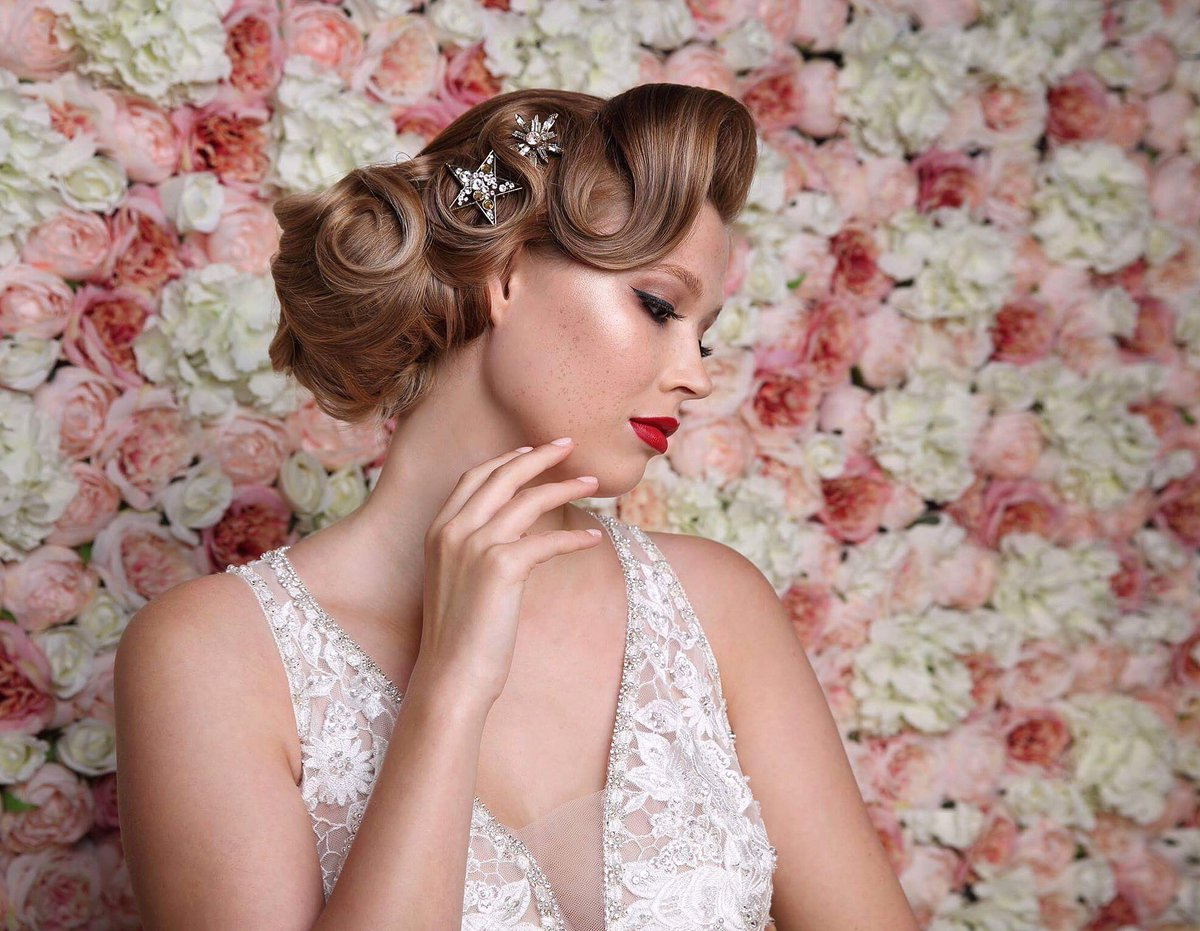 Such a great collaboration in the studio this week Hair @FlamingoAmy Makeup @LoveMoiMakeup Hair Shooting Stars @TillyThomasLux1 Dress @purebrides Model Grace Sutton Flower wall #prestigeeventsandweddings #bride #beauty