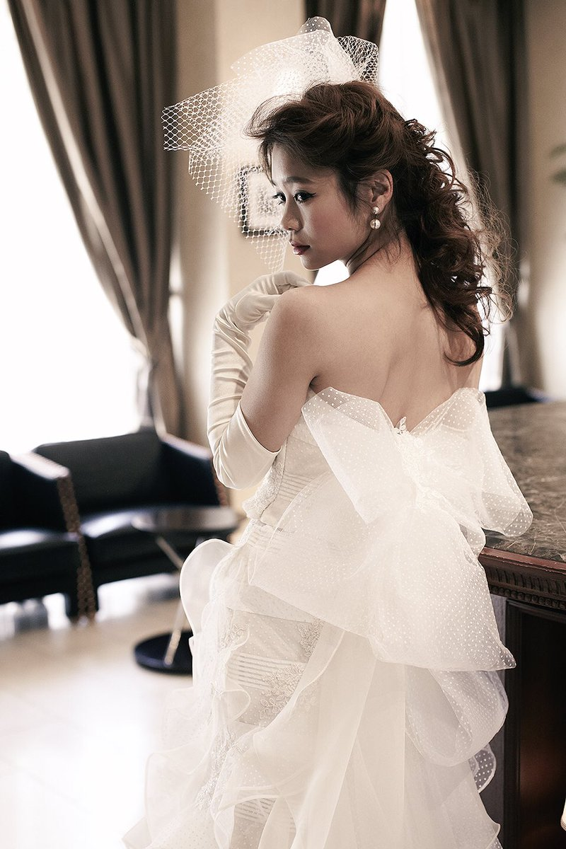 1575df51cd73d 明日のゼクシィフェスタには伊藤羽仁衣トークショーも行います♡展示予定は、アメリーマーメイドとプリュム♡未発表ドレスも展示されるかも…
