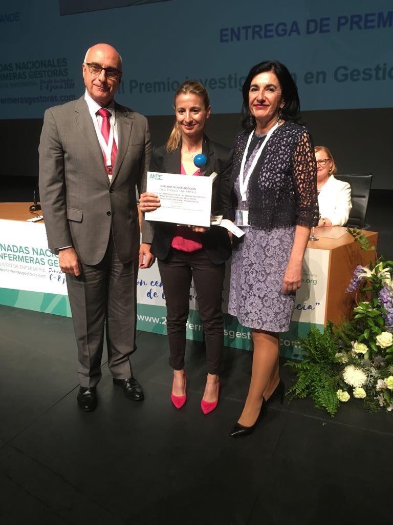 """El """"II Premio de Investigación en Gestión Enfermería"""" que conceden @ANDEorg y nuestro Colegio ha sido para el trabajo de investigación liderado por una de nuestra compañeras colegiadas, la enfermera Nuria Bravo Garrido ¡enhorabuena! #29EnfermerasGestoras"""