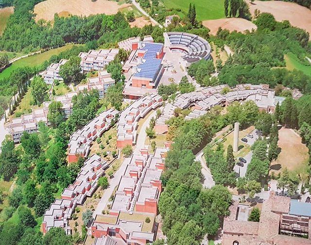 #OlivoBarbieri #CollegiUniversitariUrbino #GialcarloDeCarlo #photo #GliArchitettiDiZevi @museomaxxi #architecture #BrunoZevi https://t.co/3ddvgtMgzP
