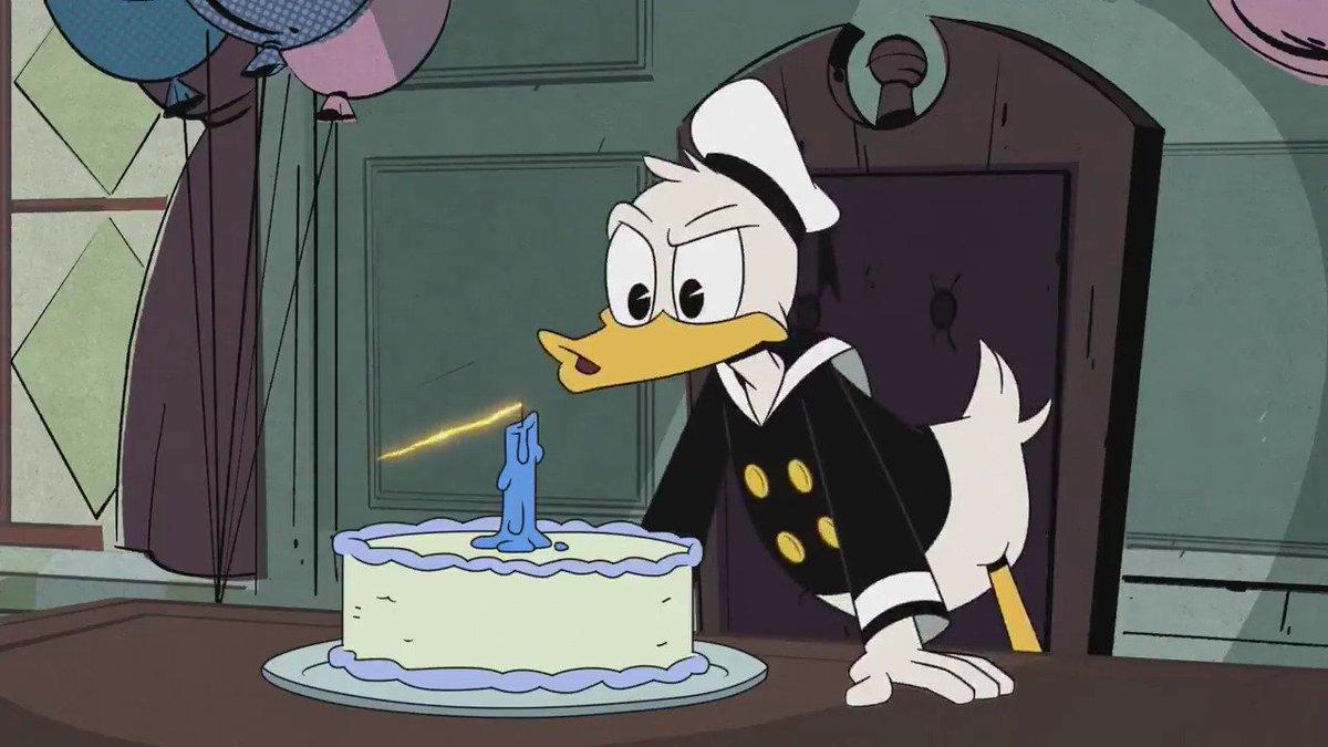 今日6月9日はドナルドダックの誕生日♪ おめでとう、ドナルド。