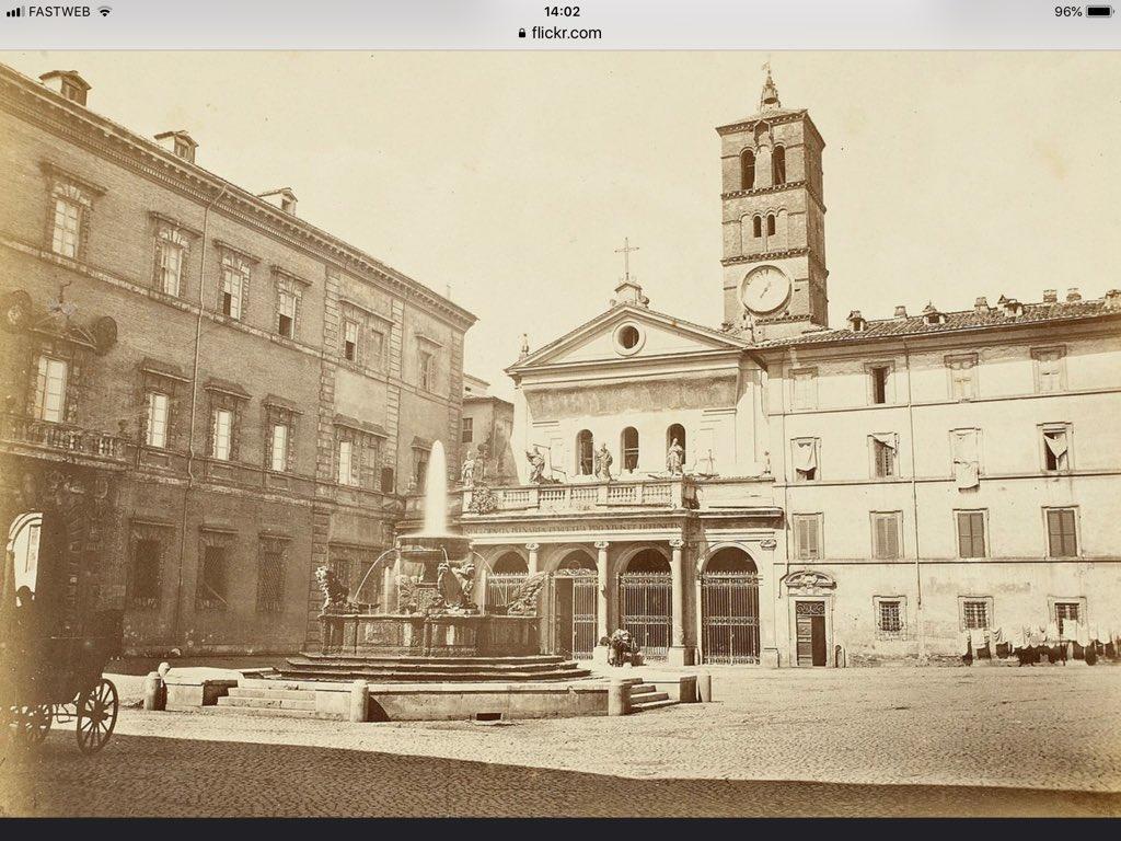 #Roma meravigliosa 1860 #piazzaSantaMariainTrastevere con impannate alle finestre e panni stesi #comeravamo @TrastevereRM @SaiCheARoma