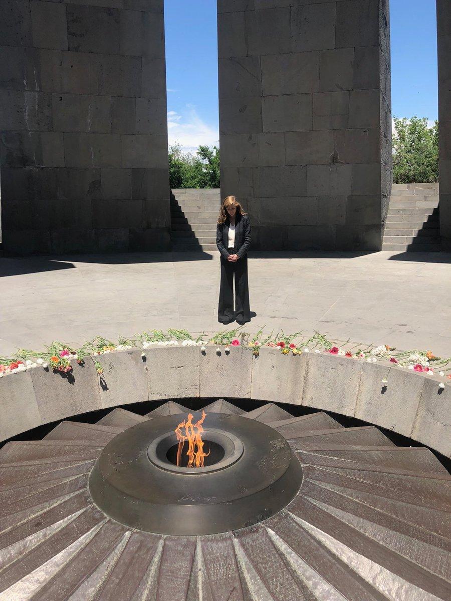 Саманта Пауэр посетила Мемориал памяти жертв Геноцида армян