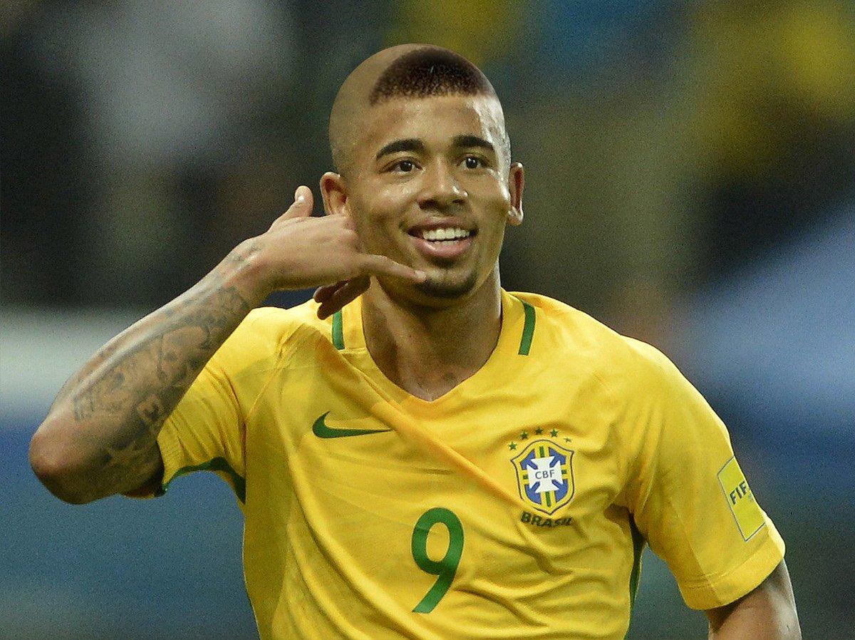 Gabriel Jesus revela se fará na Copa o 'corte do cascão' de Ronaldo em 2002  ↪