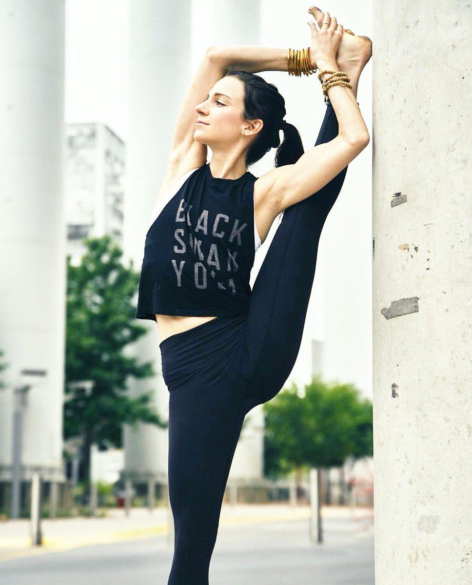 Black Swan Yoga Blackswanyoga Twitter