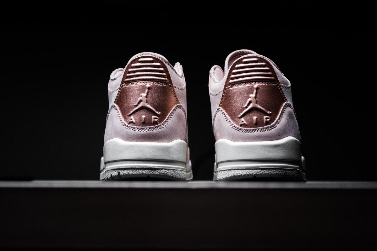 newest 474ce ed77d Sneaker Politics on Twitter: