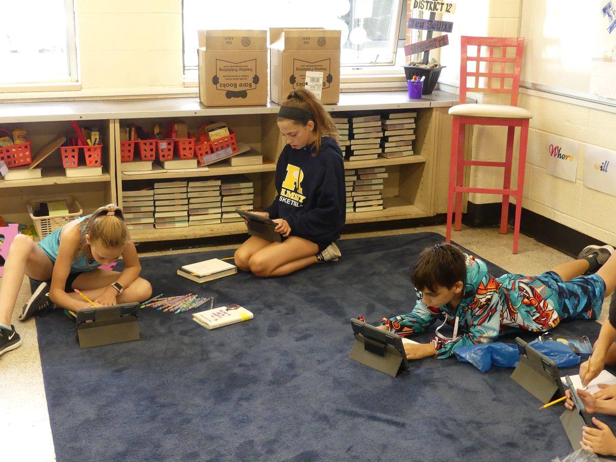Smith Middle School على تويتر Preparing To Share Fantasy Books In