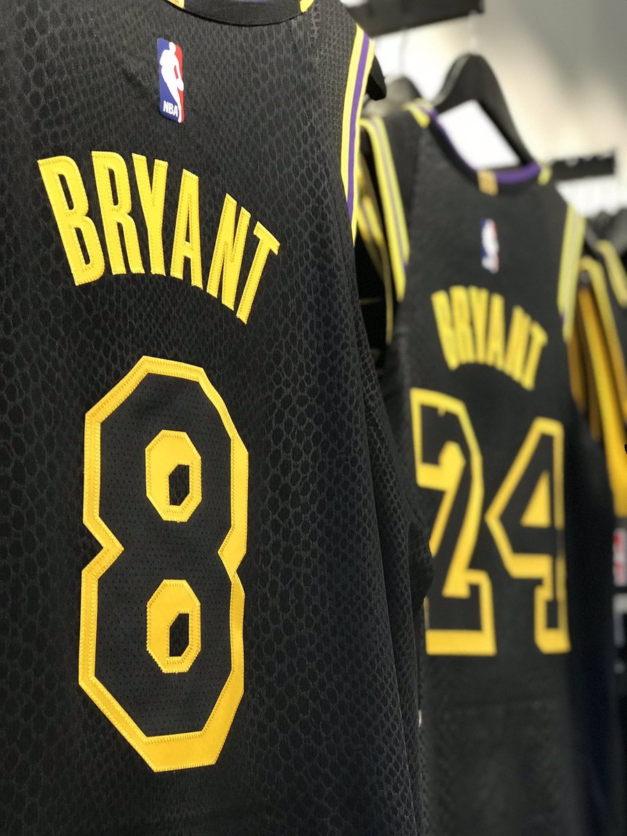 the best attitude f4c40 c2502 Lakers Team Shop on Twitter: