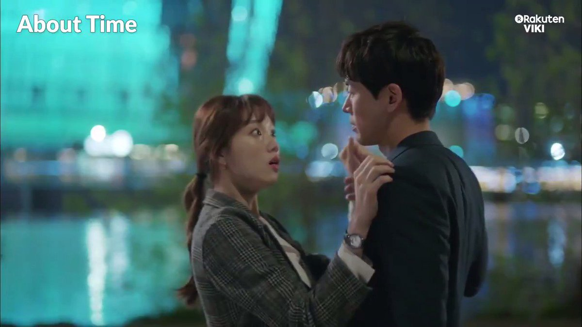 #LeeSangYoon catches #LeeSungKyung in #AboutTime! Is anyone elses heart beating? Watch more now: bit.ly/AboutTimeTW