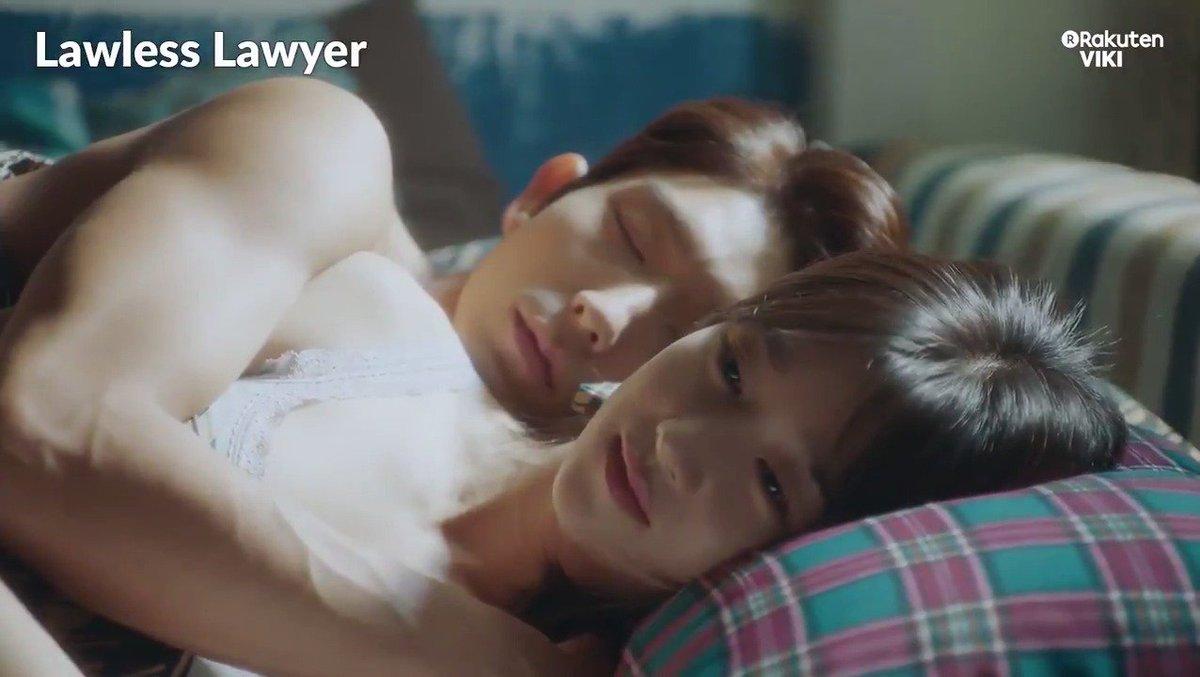 #LeeJoonGi and #SeoYeJi kiss and sleep together!! Watch #LawlessLawyer on Viki: bit.ly/LawlessLawyerTW