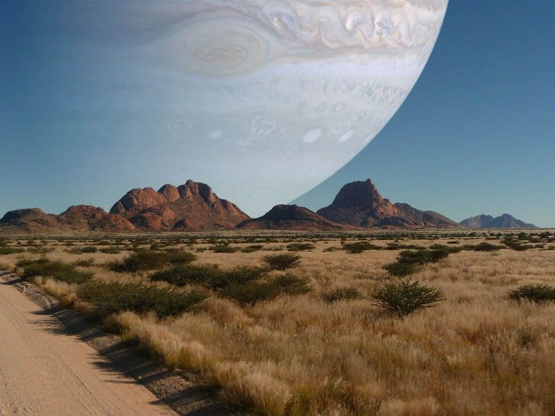 #Space: if #Jupiter was the same distance as the #Moon. #ScaryMonster! https://t.co/oUrEYP5N3H via @twistedsifter