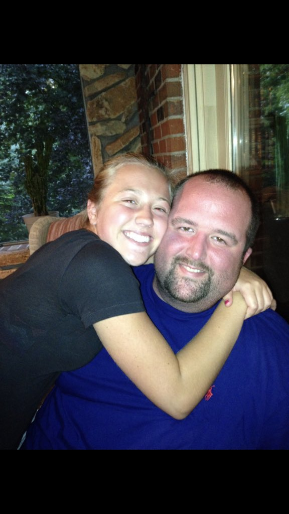 Hope my little princess @halle_berryyyy has an amazing Graduation Party today!!!! Wish I could be there with ya!!! #FavoriteNiece #MissYou<br>http://pic.twitter.com/hdhqks9h98