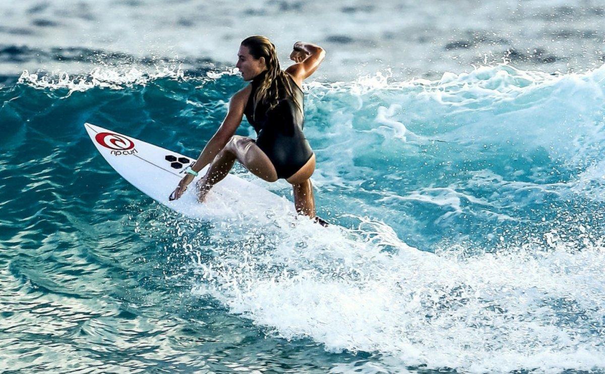 girl-surfer-movie-collen