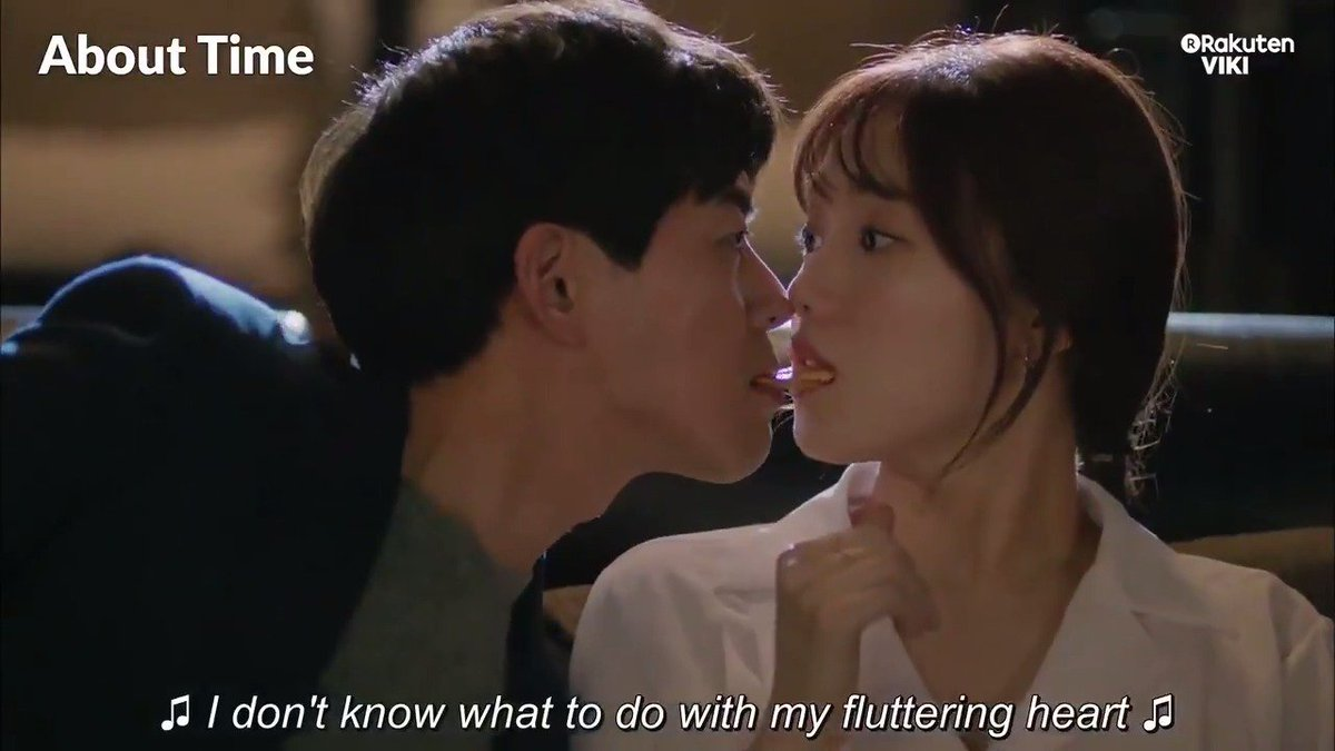 #LeeSungKyung and #LeeSangYoon get close in a dark movie theater! Watch #AboutTime on Viki for more intimate moments: bit.ly/AboutTimeTW