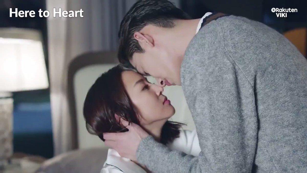 #JanineChang and #ZhangHan share adorable morning kisses! #VikiBinge #HereToHeart now: bit.ly/HereToHeartTW