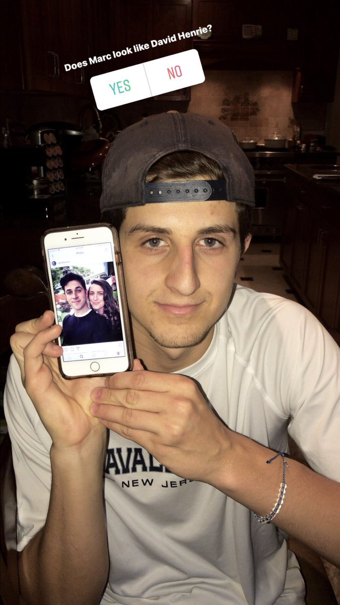 RT if my brother looks like @DavidHenrie