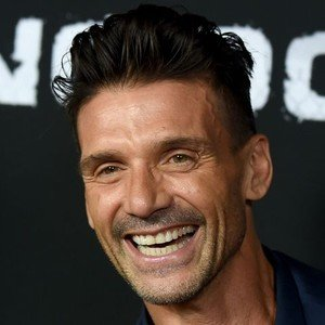 Frank Grillo when his number 1 fan Mando wishes him a happy birthday! HBD Frank!