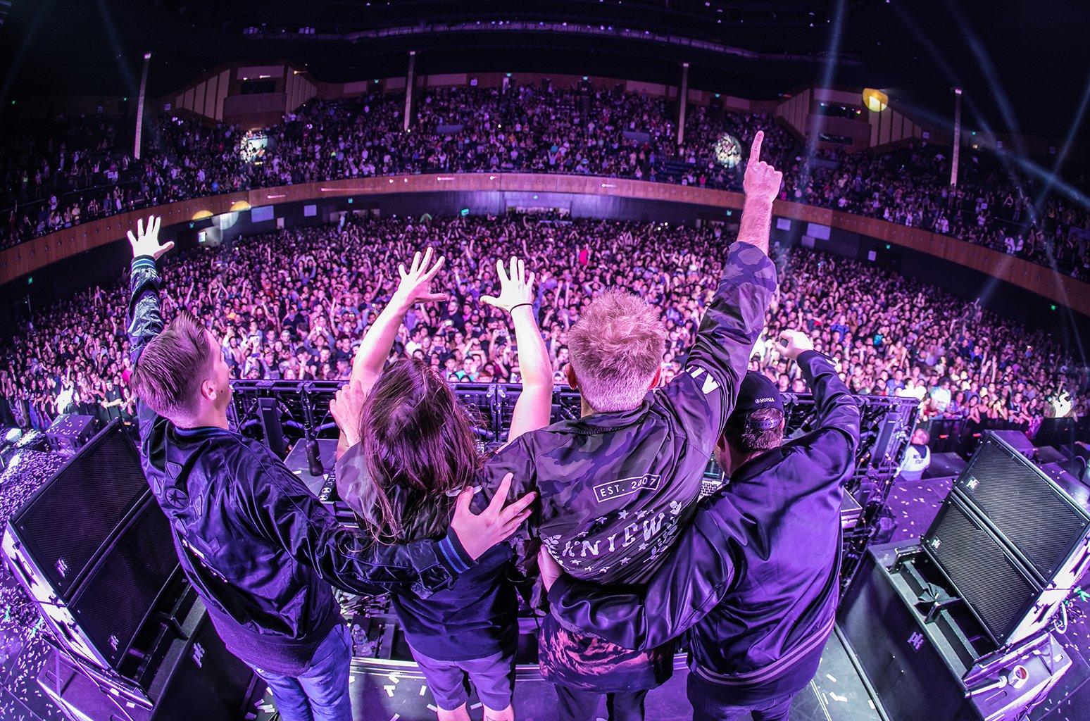 .@SevenLionsMusic, Kill the Noise & @Tritonal collab on 'Horizons' mix https://t.co/7xPYJa5ujI https://t.co/1ZgMNtNkJz