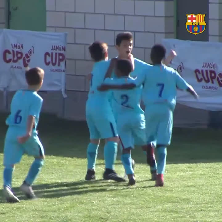 ��5️⃣ ⚽️ Which is your favourite @FCBmasia goal? https://t.co/bf4fZhaqQ3