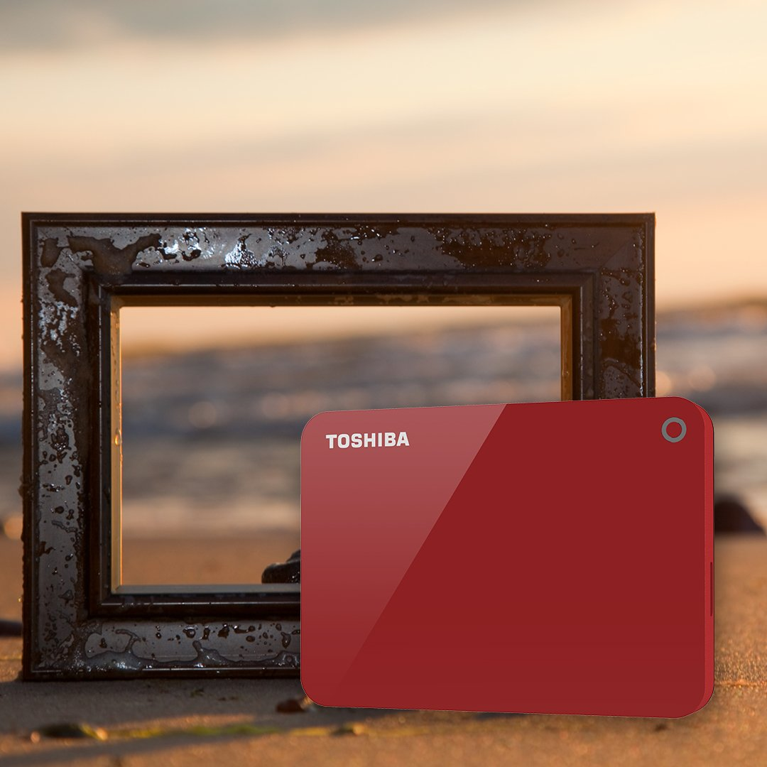 If your frame of reference is picture post card memories, find a suitable ally in the Toshiba Canvio Advance. Available in 4 colors.  #thinkbackupthinktoshiba #preservememories #toshiba #toshibamea #harddisk #it #hdd #sdd #itdubai #dubaigamers #gamers #gamingaddict #instagamingpic.twitter.com/RZuGcQP7NX