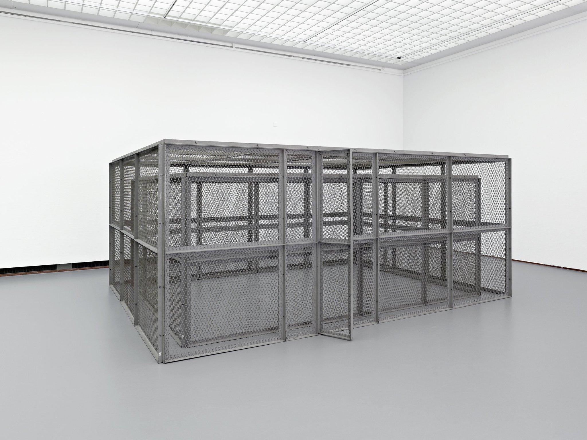 """Gregor Luethy on Twitter: """"Im Schaulager in Basel ist das Lebenswerk Bruce Naumans zu entdecken. Und damit eine Kunst, in der es immer um das Ganze geht. https://t.co/1EQbtQ32Yh… https://t.co/kjte8OUGtg"""""""