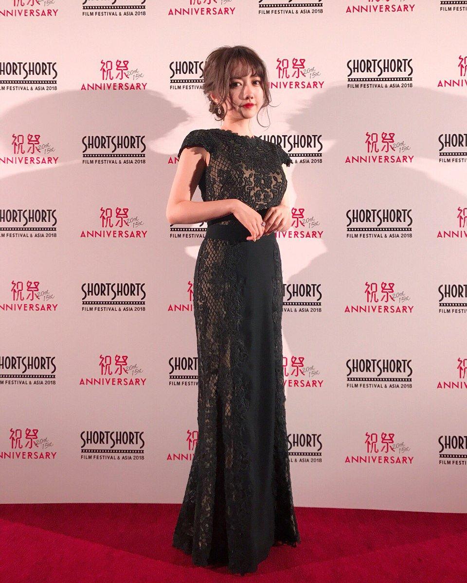 マーメイドドレスの椎木里佳