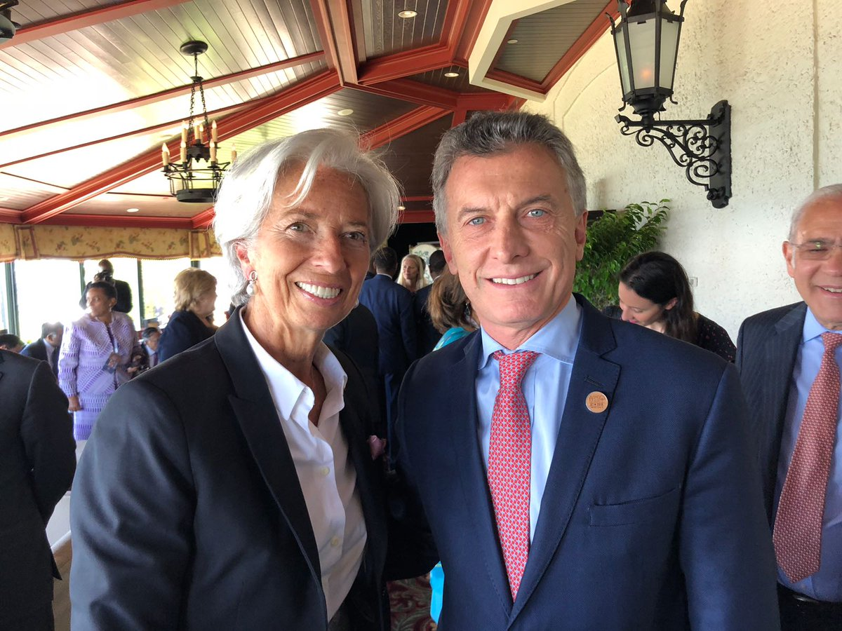 Pleased to meet Argentine President @mauriciomacri at the #G7 in La Malbaie.