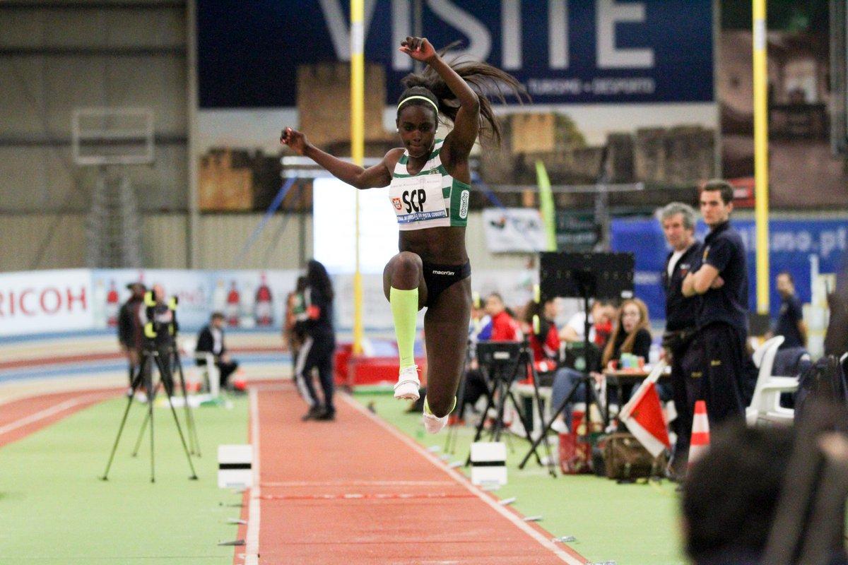 A ´Leoa' Evelise Veiga foi medalha de ouro nos campeonatos do Mediterrâneo para sub-23.   Na prova de salto em comprimento a Leoa atingiu a marca de 6.26 m. 🦁🥇