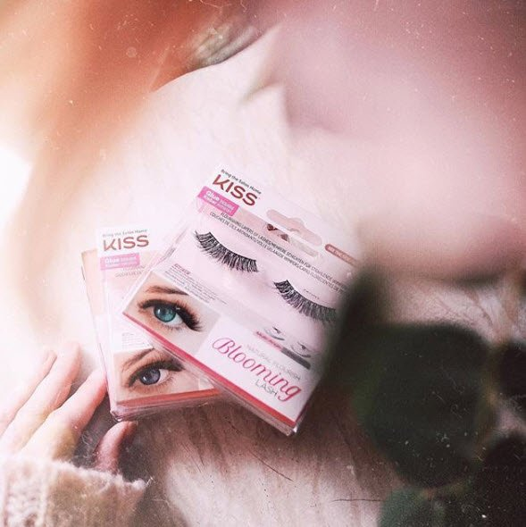 1f9059c2bb6 Lash Couture Triple Push-Up? Lash Couture 5th Avenue? #kisslashes  #likeminkonlybetter #bloominglashes #makeup #makeupaddictpic.twitter .com/MFQorj2o6T