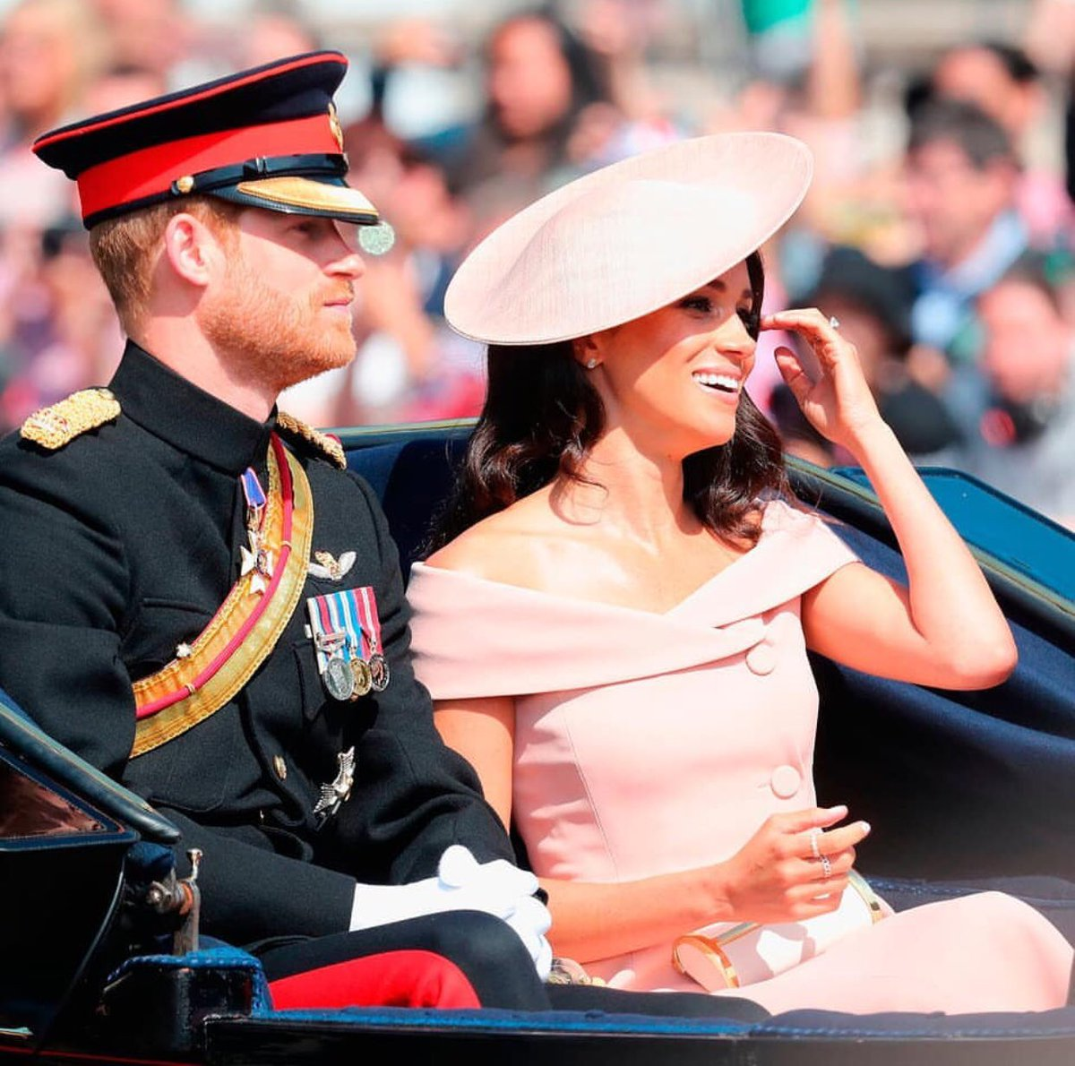 😍😍😍 Meghan & Harry at the Queen's 92nd birthday celebrations #MeghanMarkle #PrinceHarry https://t.co/OhUEPPXzHS