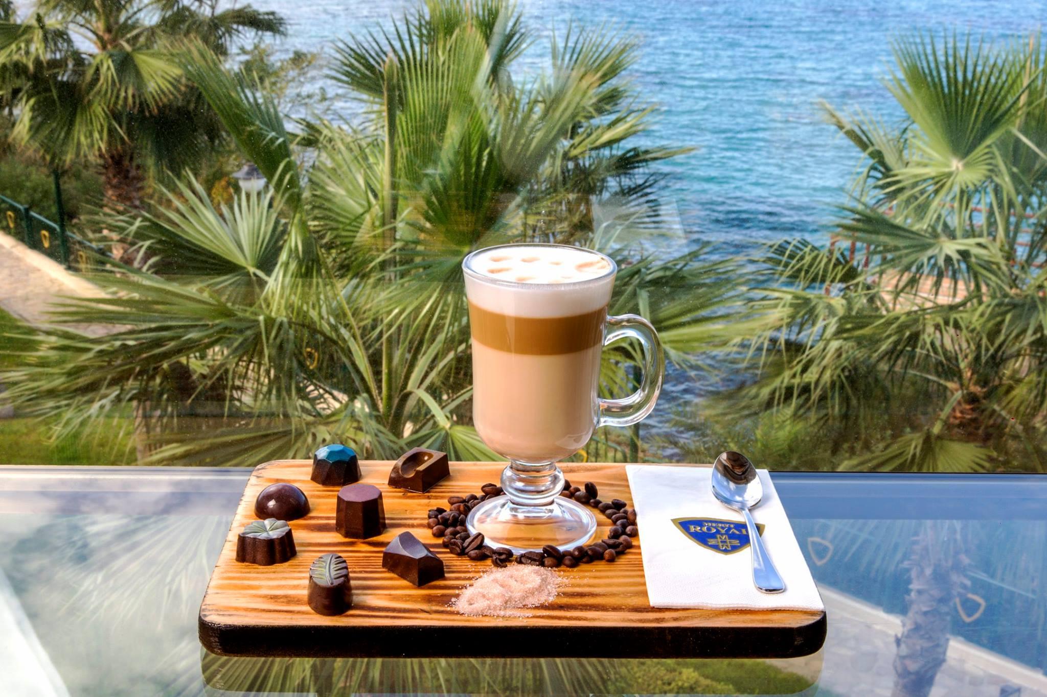 Картинки с пальмой и кофе доброе утро