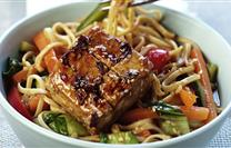 Noodles with Vegetables and Marinated Tofu   More here : https://t.co/YkEnfeHdbO #Recipes https://t.co/dWdgGQVRT8