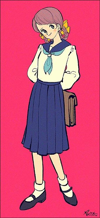 制服のスカートは長いけど私服のスカートは短い女の子